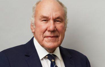 Dr Philip Finch